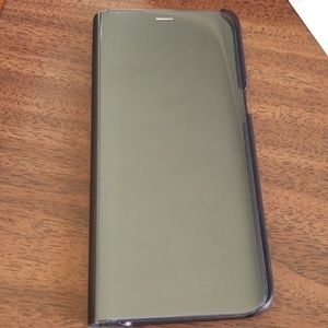 Samsung S8 S-view case like new